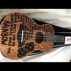 Ukelele custom made